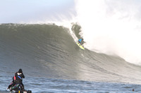 Mavericks Surf 2010-402